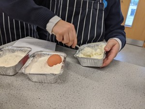 St mary magdalene academy islington latin club students bake roman cheese cake from a 2300 year old recipe