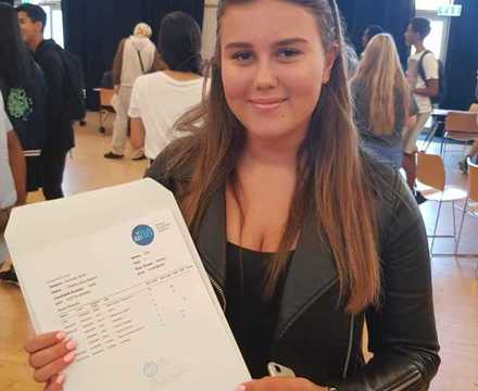 St mary magdalene academy sixth form smma islington students celebrate gcse results day 2019