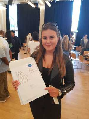 St mary magdalene academy sixth form smma islington students celebrate gcse results day 2019