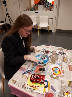 Smma st mary magdalene academy islington gcse art students at a wellcome collection study day