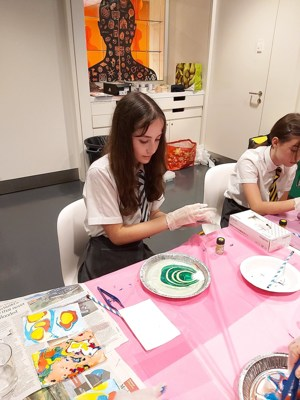 Smma st mary magdalene academy islington gcse art students from year 10 at a wellcome collection study day