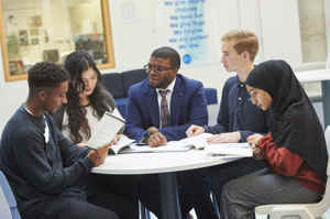 Islington sixth form students from st mary magdalene academy london meet dami ajagbonna
